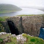 【ヨーロッパ】湖が溢れる?!凄い場所にある湖・ソルヴァグスヴァテン湖。