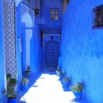 美しい青に染められた「おとぎの国」。モロッコのシャウエン。