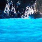 幻想的な青い空間。カプリ島にある「青の洞窟」に感動。