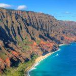 ハワイ・カウアイ島の秘境。神々の造形と称される『ナ・パリ・コースト』