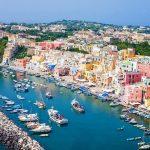 パステルカラーのカワイイ漁師街。イタリアの『プロチダ島』