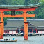 春夏秋冬訪れたい日本の名所!朱塗りの海上神殿『嚴島神社』