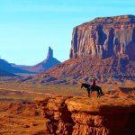 大自然が創りだした巨大な記念碑。アメリカ『モニュメントバレー』の絶景。
