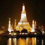光に包まれる幻想的な姿!バンコク三大寺院の一つ『ワットアルン』