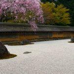 春夏秋冬訪れたい日本の名所!美しい石庭で知られる京都『龍安寺』