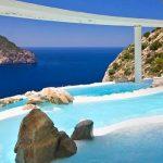 イビサ島で贅沢なひとときを!人気の高級リゾートホテル3選。