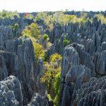 天に向かって突き立つ岩の剣!マダガスカルの秘境『ツィンギ・ド・ベマラハ』