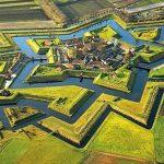 この美しい星形の正体は!?オランダの『ブールタング要塞』