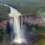 驚愕の大迫力!世界最大級の大瀑布『カイエトゥール滝』