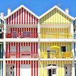 カラフルなストライプが超カワイイ!ポルトガル『コスタ・ノバ』の街並み。