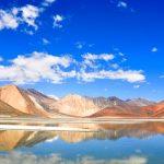 天国に一番近い塩湖!標高4200mにある『パンゴン湖』の絶景