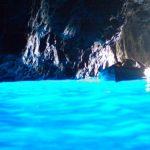 未知なる世界の入り口へ!世界の神秘的な洞窟10選。