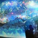水族館が幻想的な氷の世界に!エプソン アクアパーク品川で『SNOW AQUARIUM by NAKED』が開催
