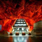 ここは美術館ですか!?ストックホルムの地下鉄アートが凄い。