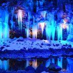 つららが織りなす冬の絶景!奥秩父の『三十槌の氷柱』